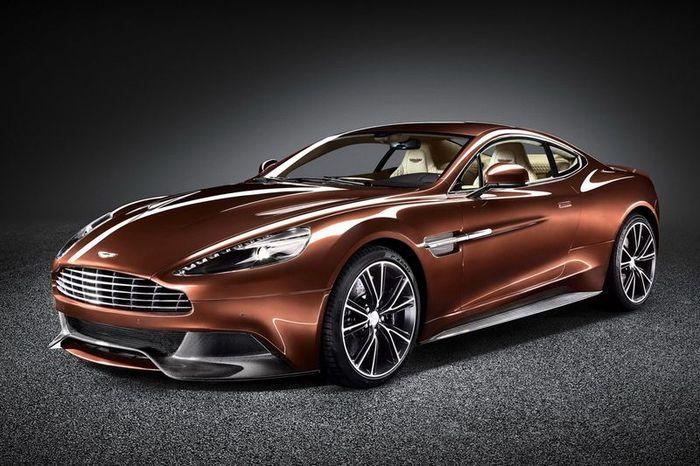 В компании Aston Martin представили новую модель AM 310 Vanquish (32 фото+видео)