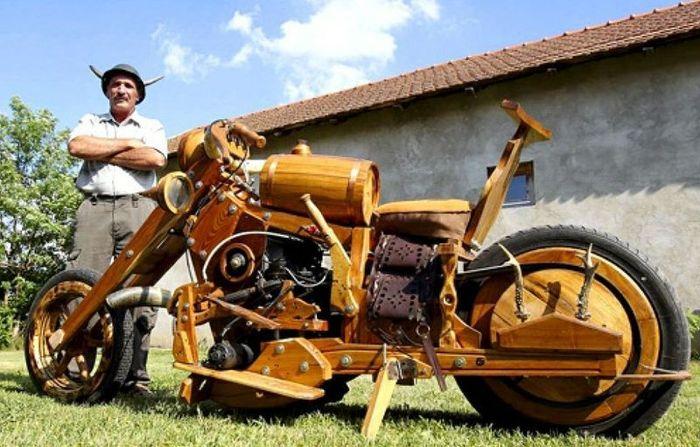Самодельный деревянный мотоцикл (5 фото)