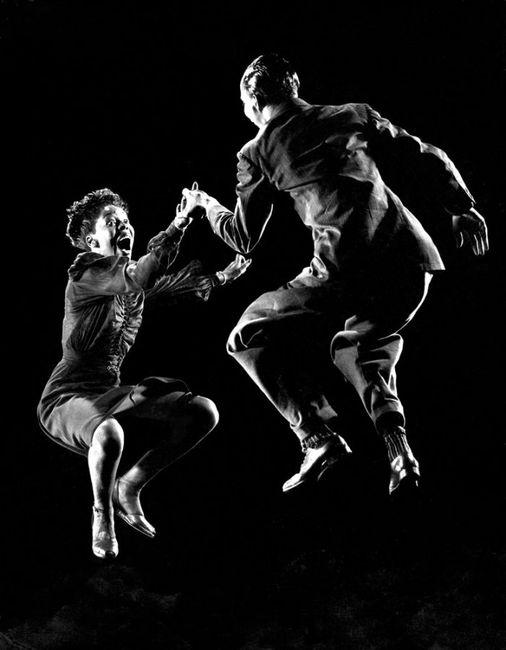 Танцующие фотографии (12 фото)
