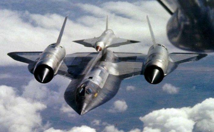 Беспилотные летательные аппараты (12 фото)