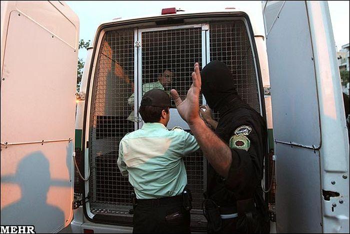 В Иране повесили насильников маленьких девочек (12 фото)
