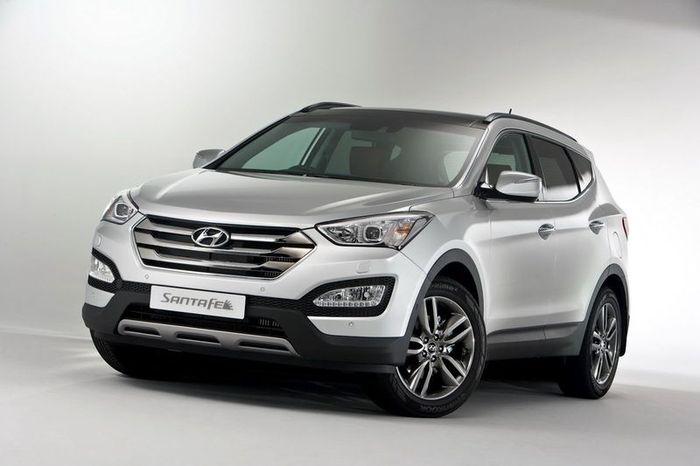 Обновленный Hyundai Santa Fe появится в октябре (7 фото)