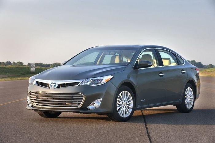 Обновленная Toyota Avalon получила новые двигатели (46 фото)