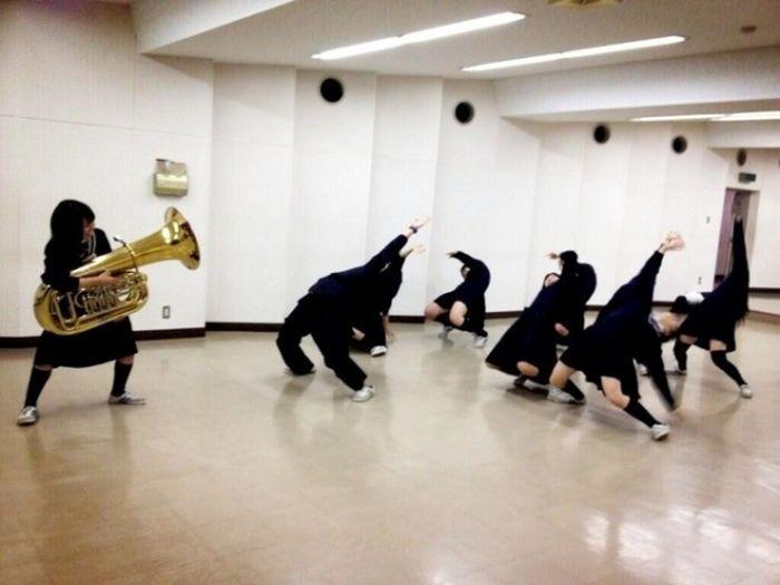 Прикол картинка музыкальный инструме, танцы