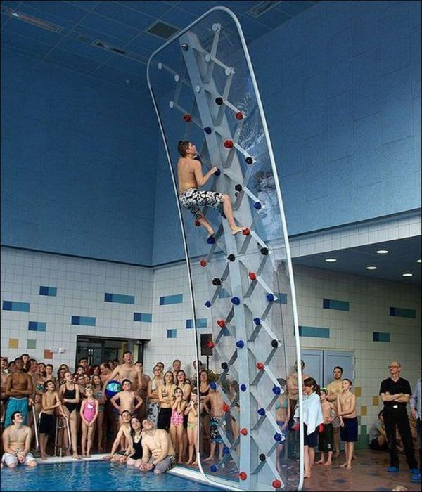 Пикантный фотоприкол бассейн, высота