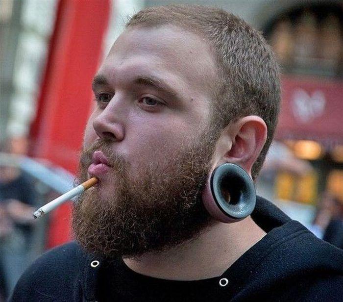 Фотоприкол борода, сигарета, туннель