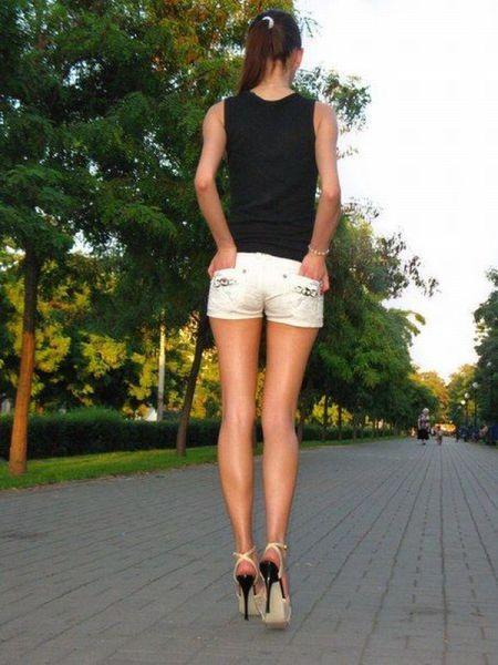 личное фото женских ног на улице другие хозяева