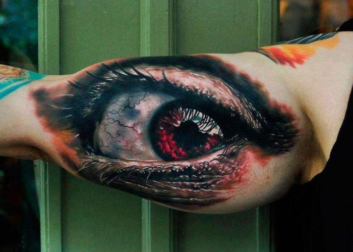 Смешные картинки глаз, на руке, татуировка