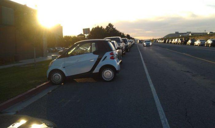 Свежий фотоприкол smart, маленькое авто, машина
