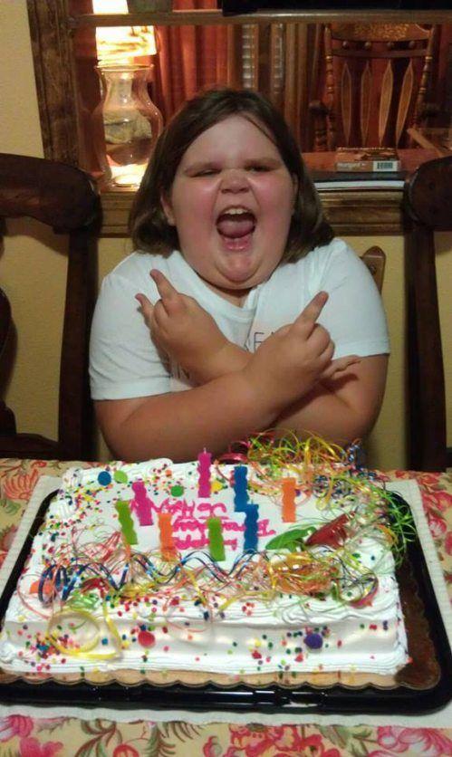 Фото день рождения, ребенок, толстая, торт