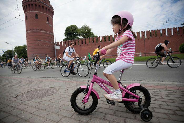 авто, велопарад, велосипеды