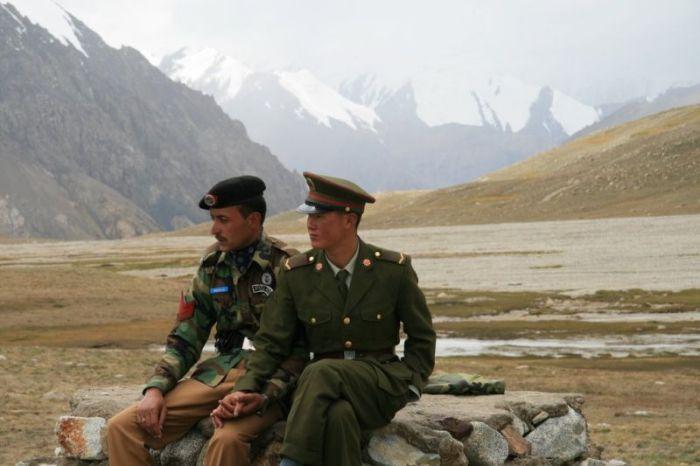 Свежий фотоприкол военные, красота природы, солдаты