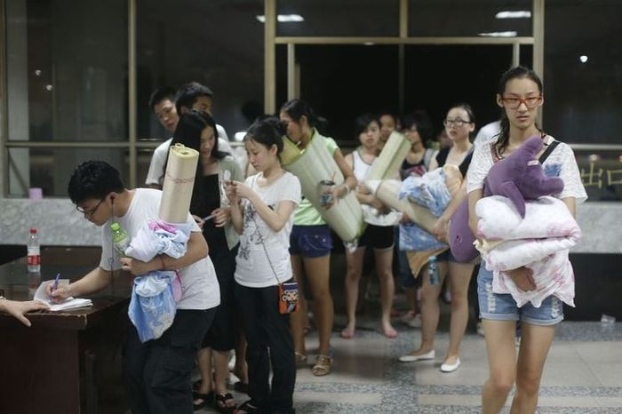 студенты, китайцы, кондиционер, спортзал, колледж, институт
