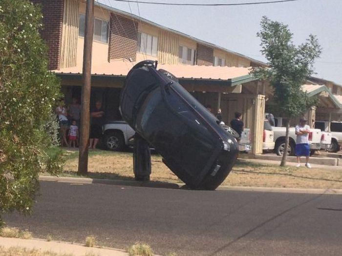 Фанни фото авто, перевернулась, припарковал