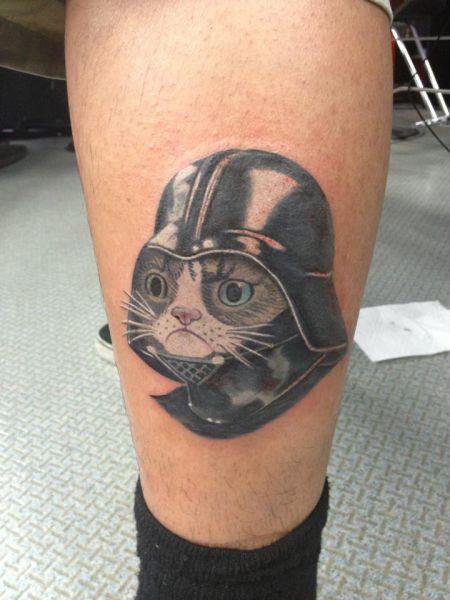 Фотоприкол бесплатно дарт вейдер, кот, на ноге, татуировка