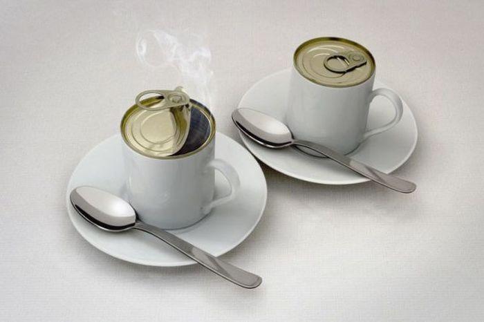 Фотоприкол недели блюдце, консервы, кофе, чашки