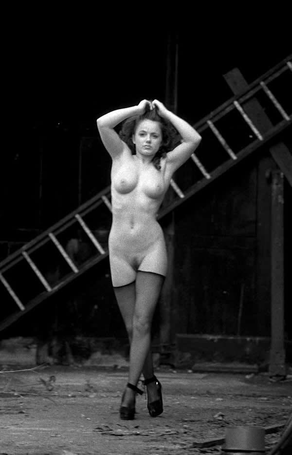 Певица венера голая
