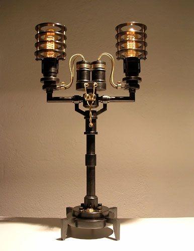 Конструкции из лампочек (6 фото)