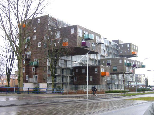 Оригинальное решение жилого дома (4 фото)
