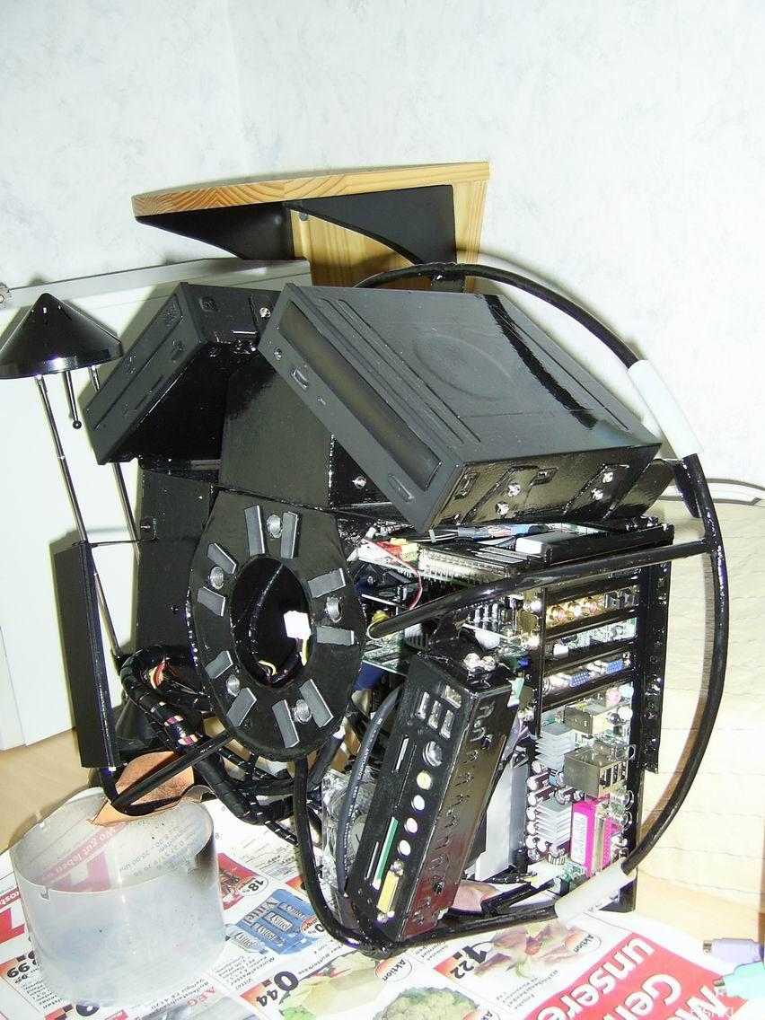 Компьютер для поклонников машин (11 фото)