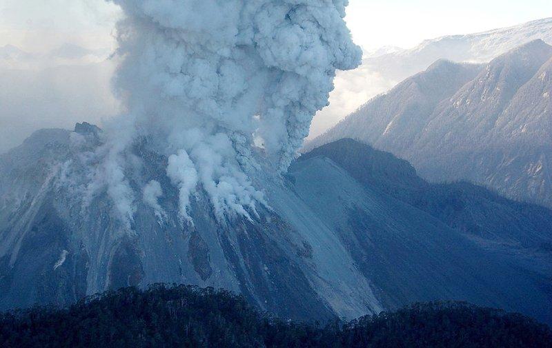 Чили, вулкан Чайтен, 2008 г.