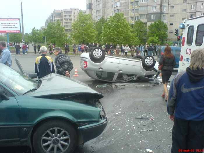 Жуткие автомобильные аварии (55 фото)
