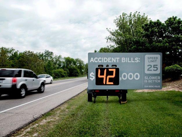 Оригинальный метод борьбы с превышением скорости (3 фото)