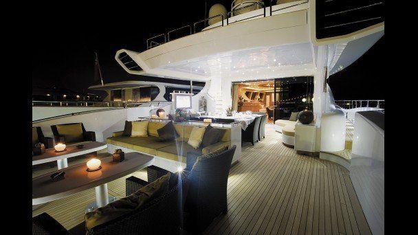 Яхта за 29 500 000 EUR (15 фото)