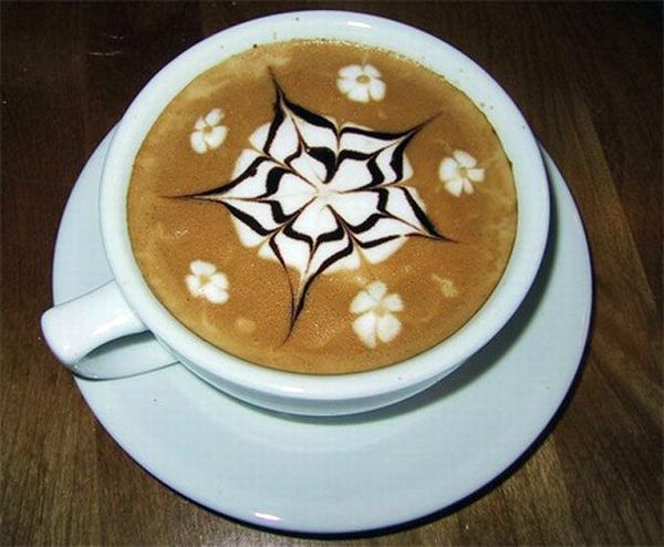 Рисунки на кофе (49 фото)