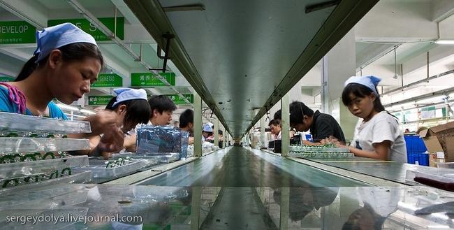Китайские заводы по производству наушников, мышек и веб-камер (41 фото)