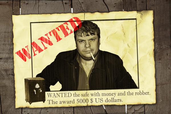 Руслан разместил в коридорах клиники объявление, гласящее – «Вскрываю сейфы, недорого, 5000$».