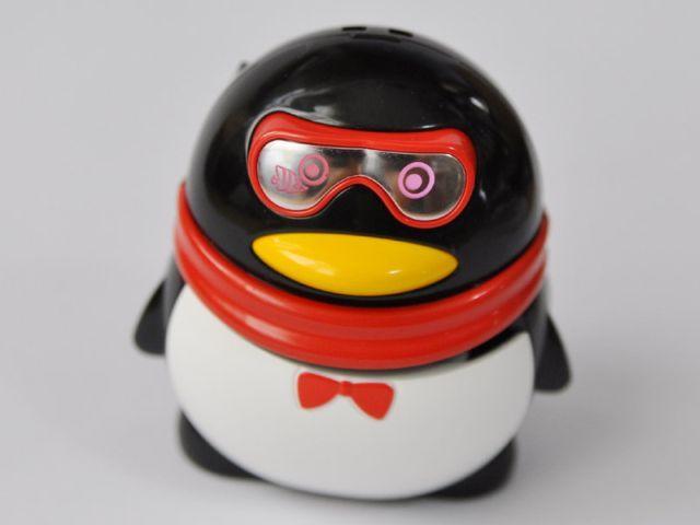 Пингвин с секретом (3 фото)