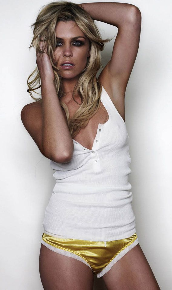 10.Эбби Кленси (Abbey Clancy)