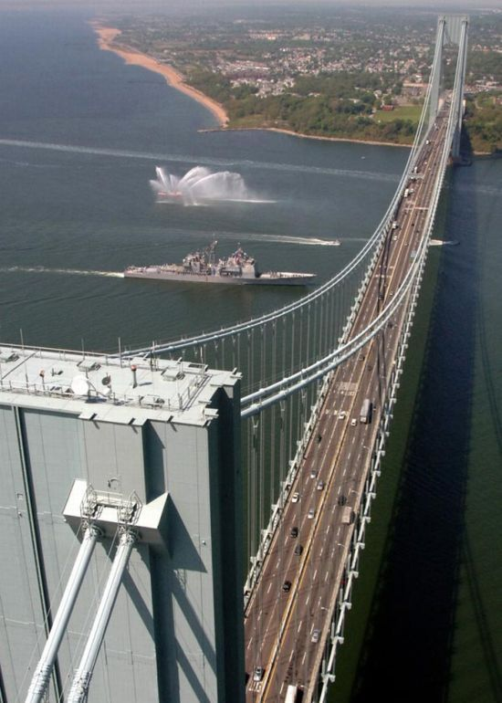 Verrazano Narrows Bridge, США – 1,298 метров