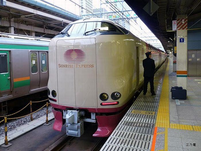 Экскурсия по японскому поезду Sunrise Izumo/Seto (18 фото+текст)