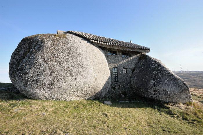 Каменный дом (Stone house) в Guimaraes, Португалия