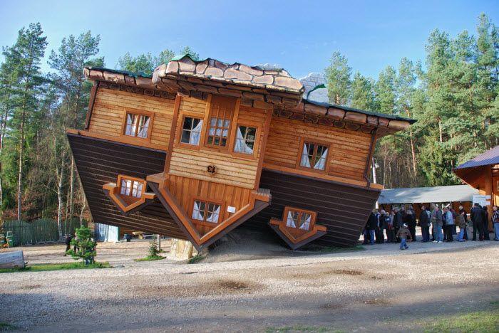 Еще один перевернутый дом (Upside down house) в Шимбарке, Польша