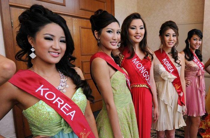 Мисс Азия / США - 2010 (12 фото)