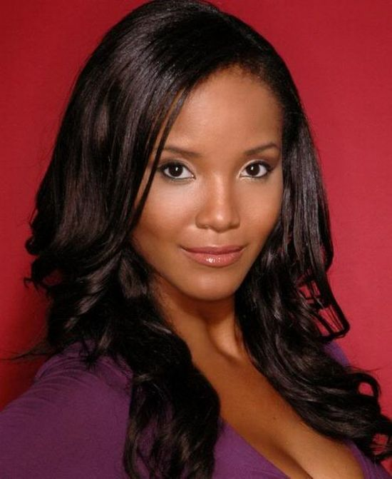 12. Miss USA 2002 – Shauntay Hinton из Starkville, MS, District of Columbia