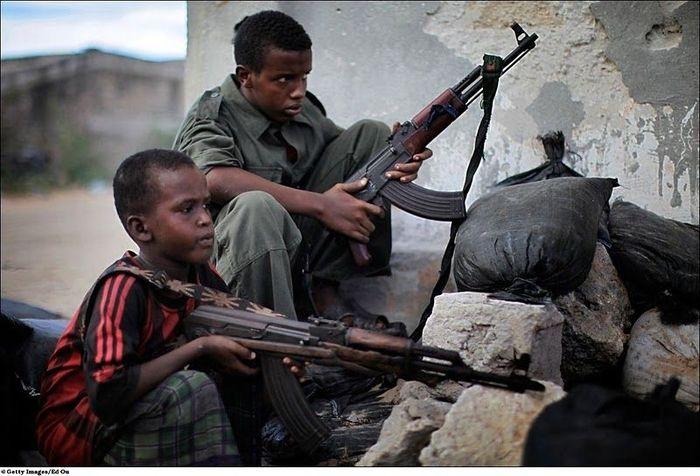 Сомалийские боевички (24 фото)