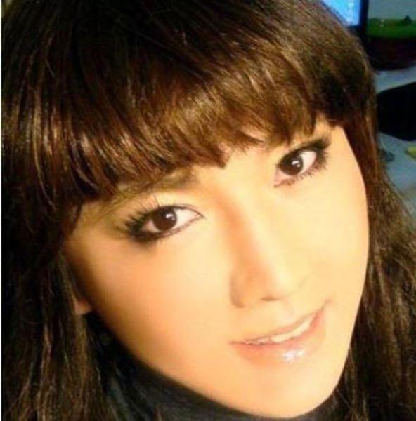 Милая азиатская девушка (9 фото)
