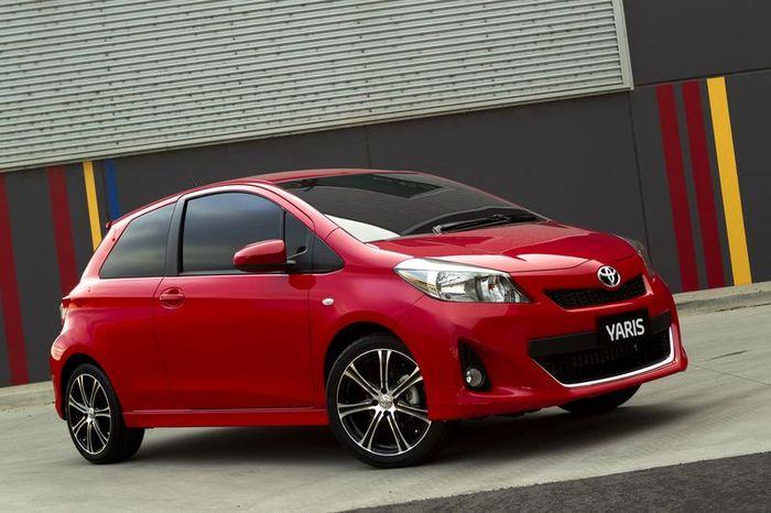Трехдверная Toyota Yaris - первые фото (4 фото+видео)