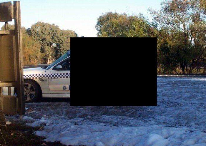 Отрихтованный полицейский Holden SS Commodore (4 фото)