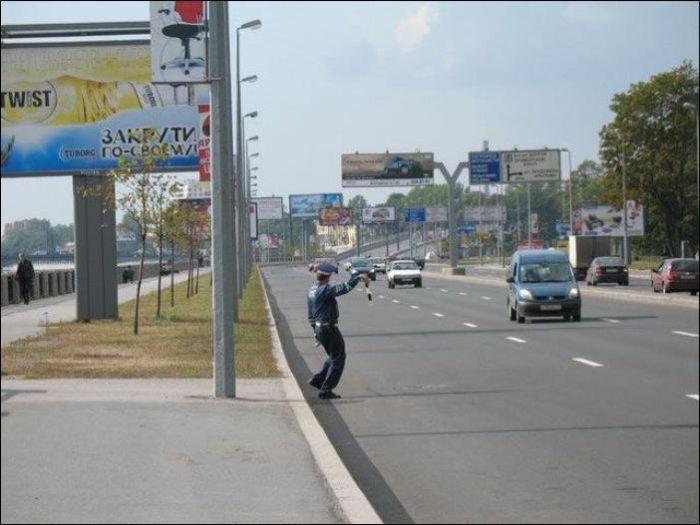 Сложные будни полицейских (38 фото)