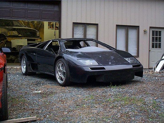 Lamborghini Diablo VT 6,0 из 1988 Pontiac Fiero (35 фото)