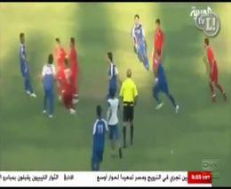 Драка футболистов на матче между Ливаном и Кувейтом