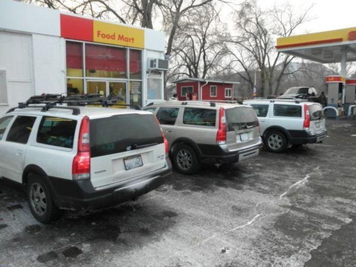 Автомобили-клоны на улицах города (149 фото)