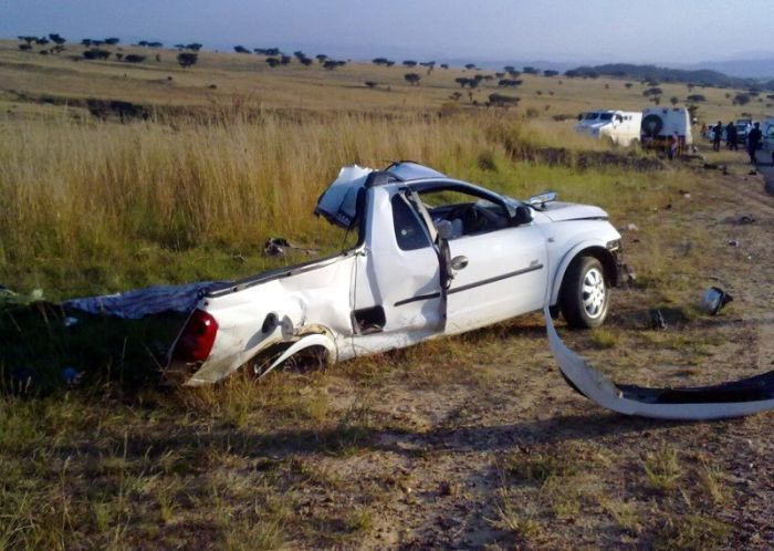 Столкновение Opel и инкассаторского автомобиля (4 фото)