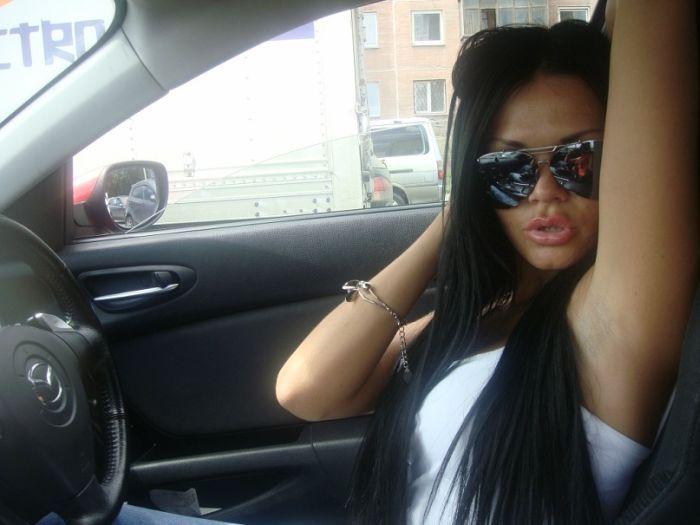 Девчонки из социальных сетей со своими автомобилями (64 фото)