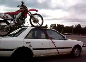 Неправильная перевозка мотоцикла